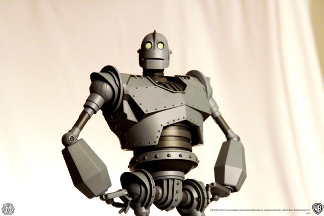 03mondo-toys-iron-giant-2